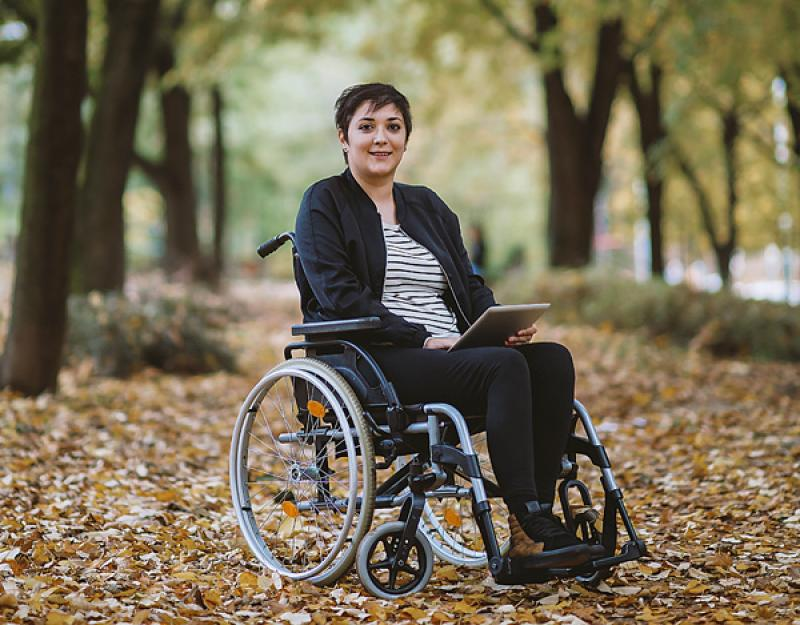 Respondents only imagine the difficulties that people with paraplegia face on a daily basis and neglect the sweeter aspects of life.  Precisely those who usually value people with disabilities.  [Getty Images / dmphoto / iStock]